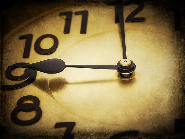 clock-1060458_640