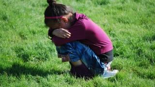 被害者でいると、自分からは何も行動せずに、誰かに助けてもらう意識が強くなっていく