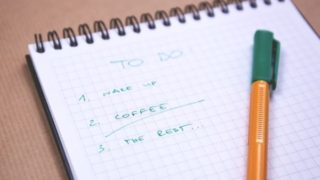 タスク「リスト」ですから、手当たり次第に動くことには矛盾しています